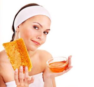 Домашна козметика за красива и стегната кожа с мед и овесени ядки