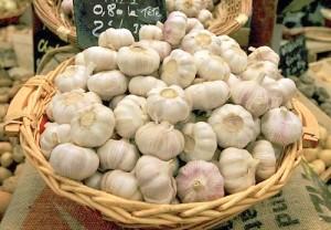 Причини, поради които е добре да ядем чесън
