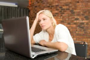 Какво причинява неприятните болки в окото?