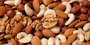 Суровата растителна храна и особено ядките са много полезни за диета при рак на панкреаса