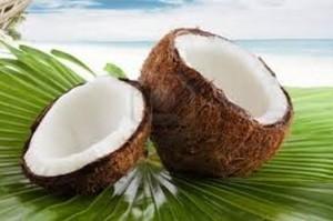 Великолепното олио от кокосов орех прави кожата гладка и помага за предотвратяване на затлъстяването