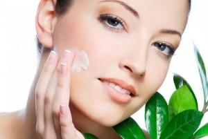 Често причината за обриви по тялото е в контакта на кожата с битова химия, затова сменете шампоаните, сапуните и праха за пране на дрехите си