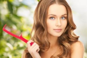 Маска за коса с рициново масло се прави при изтощена и суха коса и изтънял косъм