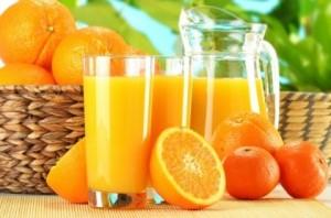 Полезно е да се пият сокове от плодове и зеленчуци и витамини при деменция
