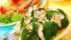 Храненето с кресон и броколи е определено много полезно