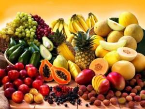 В много плодове, зеленчуци, ядки и билки се съдържат естествени антиоксиданти
