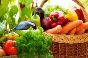 Плодовете и зеленчуците в диетата за понижаване на високите нива на пикочна киселина в кръвта и самата диета са най-добрият лек за състоянието