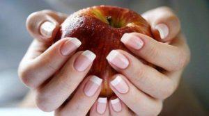 надлъжно набраздени нокти на ръцете причини