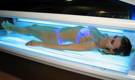 Солариумът увеличава с до 75% риска от рак на кожата
