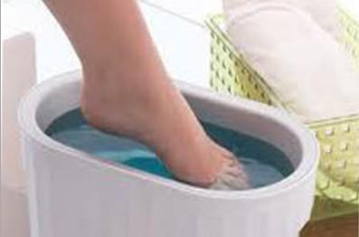 Използвайте баня срещу болки в краката.