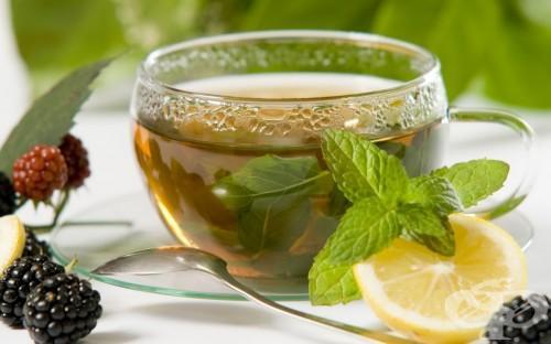 Чай от мента за болки в стомаха.