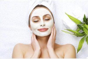 Маска с бяла хума нанася се върху кожата, тя има комплексно въздействие.