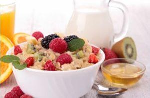 При лечение на поликистозни яйчници се използва и диета.