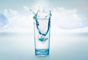 След операцията на простатата, трябва да пиете много вода.