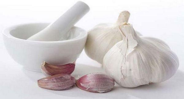 Лек за кашлица със смлян чесън