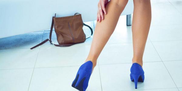 Болките в краката са сред основните симптоми на разширени вени